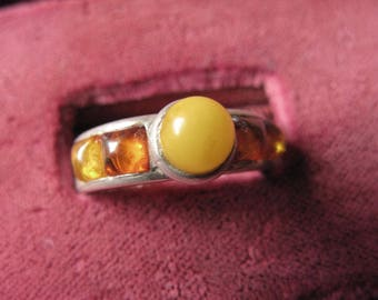 Whimsical, Vintage Yellow Amber and Sterling Ring. Size 7 1/2