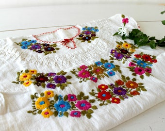 Embroidered mexican top,Undyed Manta,natural cotton blouse,Multicolor flowers,hand Embroidery,Boho shirt,bohemian Tunic,pleated,Women,S-M.