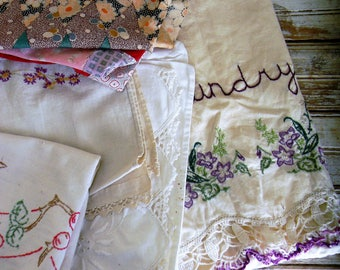 Vintage Linens, Lot of Embroidered Linens Cutter Linens, Craft Lot Cutter Lot Vintage Linens, 1950s 1960s Linens, Pillowcase, Quilt PIeces