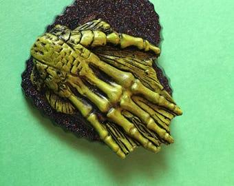 Creature heart hair clip