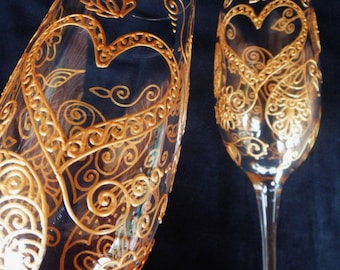 LOVE HEART Bride & Groom wedding toasting flutes CUSTOM hand painted champagne glasses in Mehndi style designs. One of a kind.