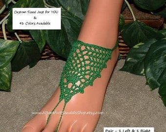 Emerald GREEN Barefoot Sandals Jeweled Feet Jewelry Lace SHOES Green Toe Ring Anklet Sandal Foot Jewelry Beach Wedding Flat Shoes Gem Look