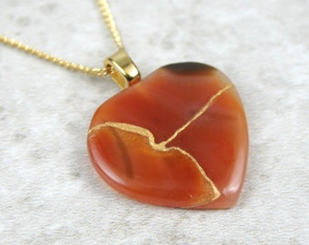 Broken heart pendant in carnelian with gold kintsugi (kintsukuroi) repair on gold plated curb chain - OOAK