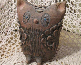 Vintage Modern Pottery Owl Statue/Figurine