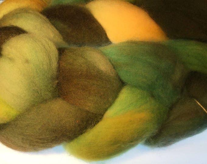 100% Falkland Island Fine Wool Top / Roving 4 oz Color YTBOG Free Shipping