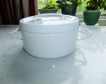 RESERVED // Vintage white Finel Arabia enamel pot - Seppo Mallat design - Made in Finland