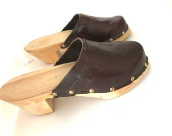 8.5 Minimalist Mules Hand-tooled Brown Leather, Boho Platform Clogs Mules 8.5, Hippie Leather Mules 8.5, Hand-Tooled Clogs Mules Raw Wood8.5