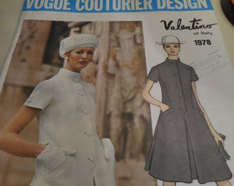 Vintage 1960's Vogue 1978 Couturier Design Valentino of Italy Dress Sewing Pattern Size 10 Bust 32.5