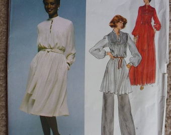 Vintage Vogue Pattern 1567  Designer Paris Original Christian Dior  Size 10