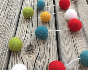 Christmas Holiday Felt Ball Garland, Pom Pom Garland, Nursery Decor, Bunting Banner, Party Decor