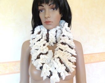 Chic scarf for women wool and acrylic white and Brown