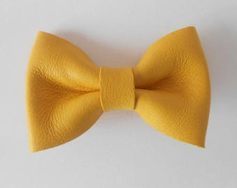 Yellow leather knot of 4.5 x 3 cms hand-made