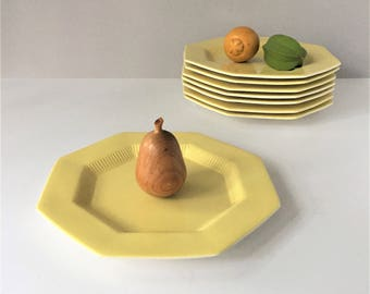 1776 Independence Ironstone, Yellow Daffodil Dinner Plates, Vintage Set of 8, Castleton China Japan, Mid Century Tableware