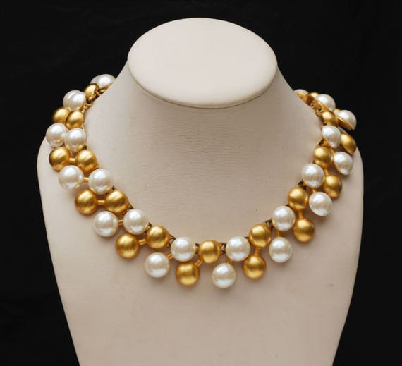 Anne Klein necklace  - Chunky Gold white pearl - Collar necklace -gold white ball links - 80s -Lion