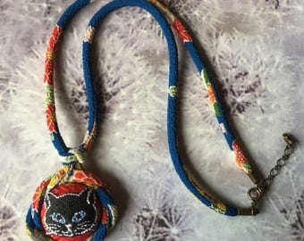 Japanese Chirimen cord knot necklace / fabric cord jewelry -Embroidery Black Cat