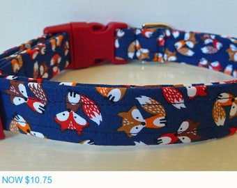 """Sale - 50% Off Little Foxes on Navy Fabric - Summer Dog Collar - Red Browm & Orange Foxes """"Foxy"""""""