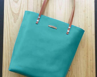 Emeral Leather tote,green leather bag, green bag,custom color inside,whit your name,custom color leather straps,Tote bag,minimalistic bag