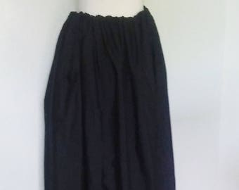 Classic Skirt in Black Cotton