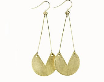 Hammered Brass Cut Out Circle Pendant Earring