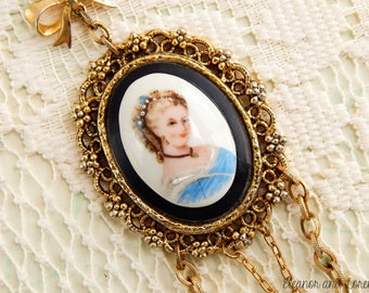 Southern belle assemblage necklace / vintage cameo necklace / assemblage jewelry / recycled jewelry / upcycled necklace / statement necklace