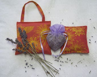 lavender sachets, Set of 3 sachets.Lavender gift.Fabric and lavender from Provence, France. Gift.Sunflowers in Terracotta.