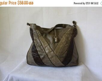 Sale 1970s Vintage Leather Purse /  Brown Leather Shoulder Bag / Vintage 70s Purse / 1970's Toned Leather Shoulder Bag