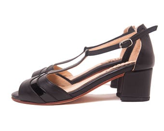 Vickyna black medium heel - Woman shoe. T-strap sandal in black leather and black patent - Handmade in Argentina - Free shipping