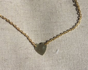 Small heart necklace gold