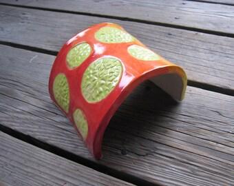 Rainbow Reptile Hide - Ceramic Tank Decor - Hamsters and Gerbils - Aquarium Arch - Reptile Enclosure Decor - Colorful Ceramic Hide