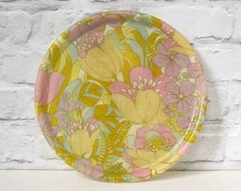 Vintage Fiberglass Tray, 1960s Tray, Floral Tray, Round Serving Tray, Vintage Drinks Tray, Retro Home Decor, Retro Kitchen, Flower Power