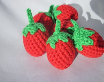3 strawberries crocheted 100% cotton 4cm high