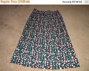 50% OFF Size 2X plus size vintage floral cotton skirt 34 inch waist 31 inch length