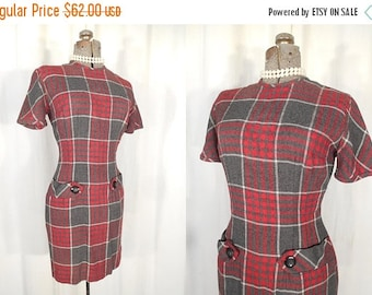 Vintage 1950s Dress - 50s Fitted Grey and Red Plaid Bombshell Rockabilly Wiggle Dress Size Small