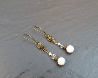 "Earrings ""wind"" howlite and Crystal beads"