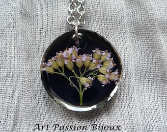 Flowers in resin, dried flowers necklace, black green jewelry, ecofriendly botanical jewelry, hippie necklace, lilac flowers, 15 off ship