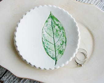 Clay Ring Dish, Green Leaf Ring Dish, Botanical Ring Dish, Ring Holder, Clay Dish, Nature Dish, Art Bowl, Jewelry Dish