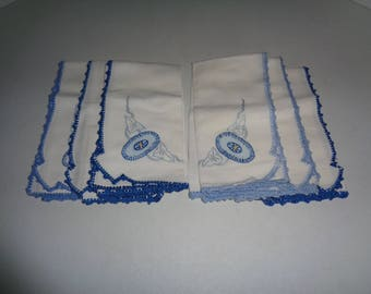 "6 Vintage Embroidered Table Napkins 14.5"" x 15"""