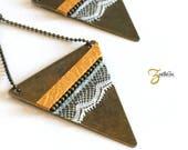 Boucles d'oreille SHIVA - Dentelle Cuir Triangle métal - Bleu canard / Jaune moutarde - Collection HOLi 2017 /Zaelleza - Bijoux bohème