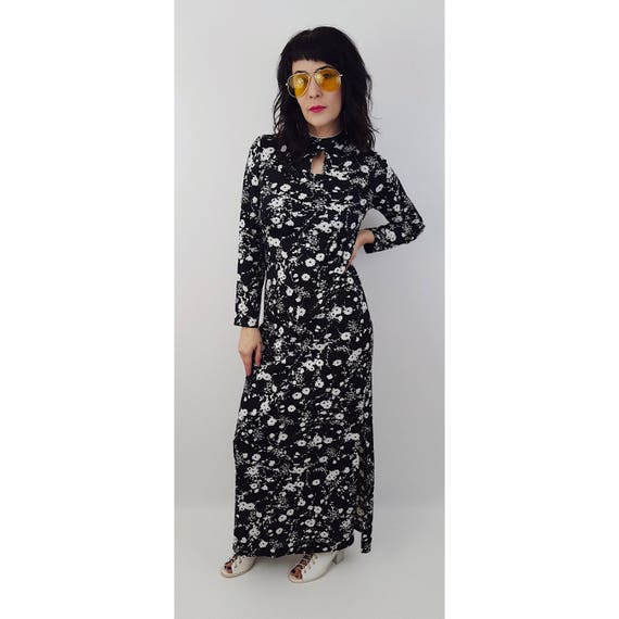 70's Black and White Floral Print Romantic Maxi Dress Small -Black Tapestry Rose Print Floral Mock Neck Cut Out Sleeveless Hostess Dress