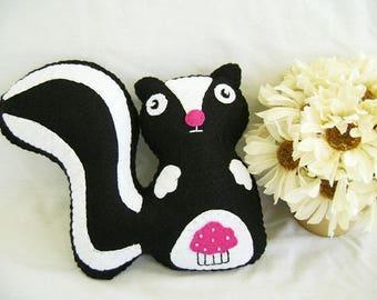 Felt Skunk, Skunk Stuffed Animal, Skunk Felt Animal, Skunk Toy