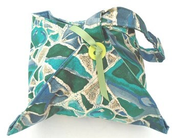 Casserole carrier handmade quilted  pies bowls plates picnics parties BBQ's potlucks polynesian tribal blue green