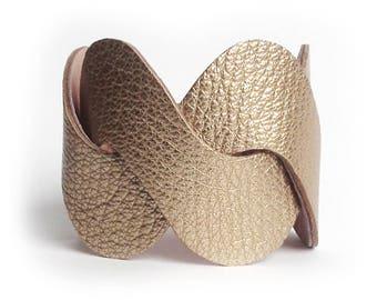 Leather bracelet cuff WAVES gold