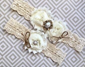 Rustic wedding garter, rustic garter set - wedding garter, bridal garter - burlap and lace, vintage rustic garter