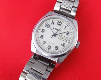 Vintage Soviet serviced wrist watch RAKETA Made in USSR stainless strapk622