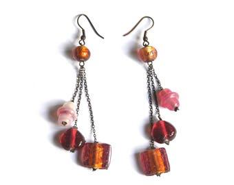 Tribal boucles d'oreilles longues pendantes, chaînes et perles de verre rose