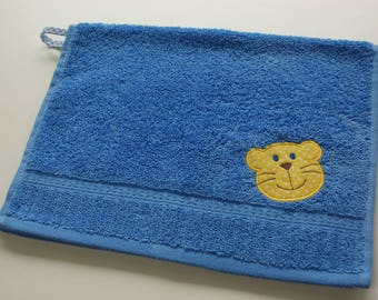 Personalized towel for kid, Towel with Lion applique and name, Small hand towel