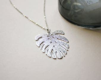 Monstera leaf - silver necklace F51