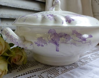 Antique french lavender transferware large tureen. Lavender transferware soup tureen. Purple transferware. Birds. French Nordic decor