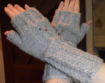 Owl pattern fingerless mitts