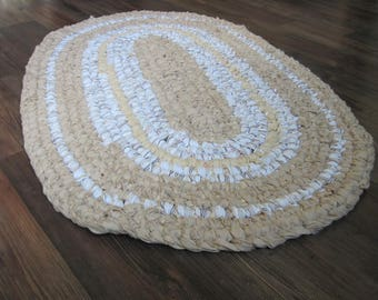 Oval Scandinavian Loop Rug in Beige and White, Bathroom Rug, Kitchen Rug, Rag Rug, Cotton Rug, Made from Re-purposed Matterials,